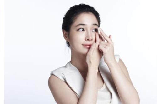 Sử dụng mí mắt giả có tốt không?