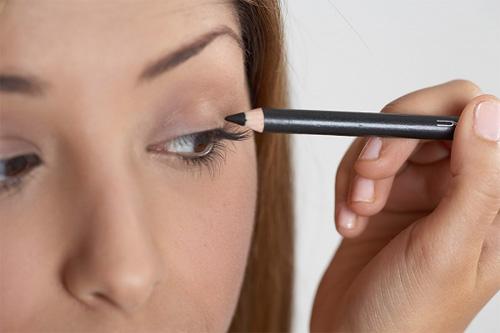 Thử ngay cách trang điểm mắt sâu quyến rũ