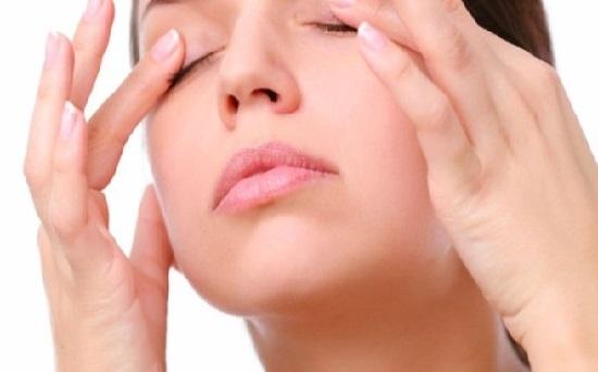Mách bạn các cách chữa sụp mí mắt tự nhiên 3